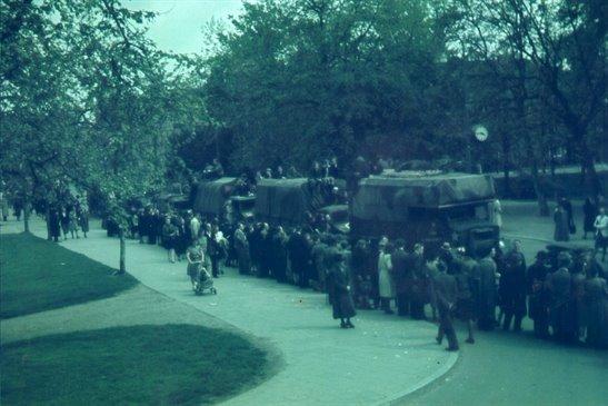 http://www.hetutrechtsarchief.nl/collectie/beeldmateriaal/fotografische_documenten/1940-1950/22187