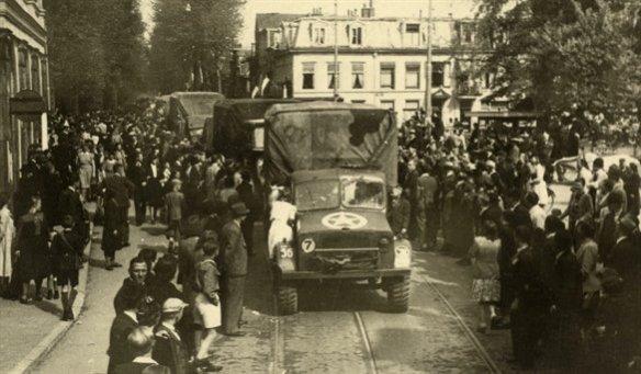 http://www.hetutrechtsarchief.nl/collectie/beeldmateriaal/fotografische_documenten/1940-1950/97576