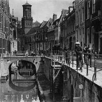 Time Travel: Kromme Nieuwegracht 1900 | 2013